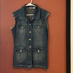 Rubbish distressed jean vest size M